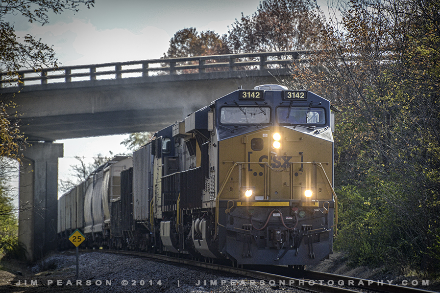 11.13.14 CSX 3142 at Hospital Drive, Madisonville, Ky