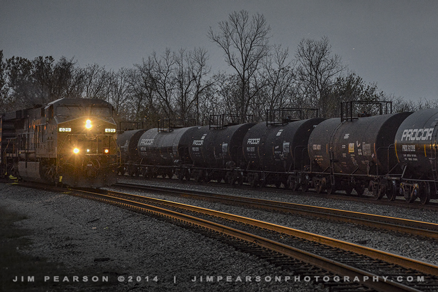 11.13.14 CSX Y102 NB at Howell Yard, Evansville, In