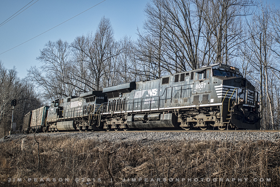01.24.15 NS 8007 Approaching Rockport, Ky