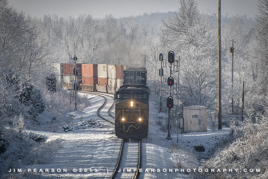 01.24.15 Q028 NB in snow at Romney, Nortonville, Ky