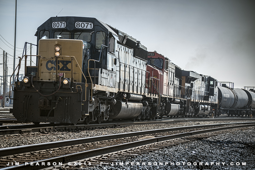 03.11.15 CSX 8071 NB leaving Evansville, In