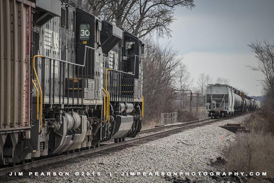 03.18.15 NS NDN1 trailing MVL1 Local SB at Mount Vernon, In