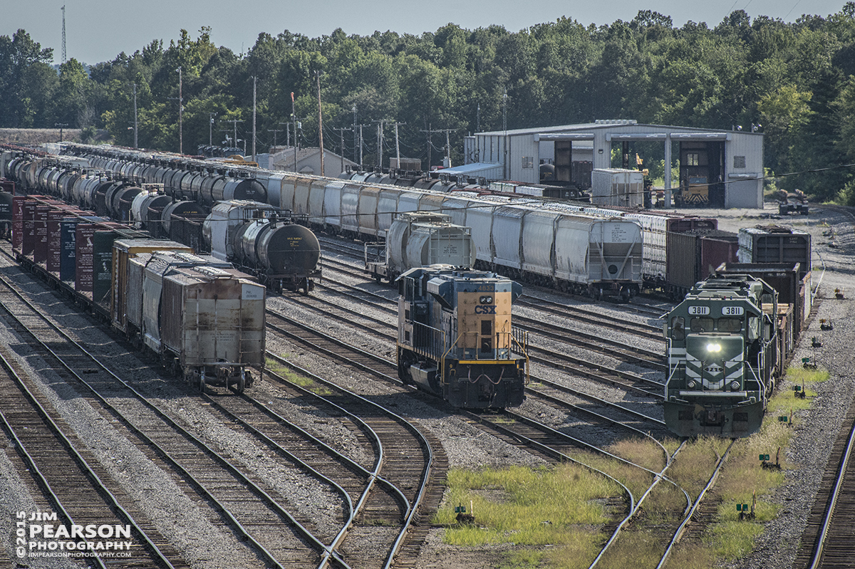 August 21, 2015 - A Paducah and Louisville Railway local with 3811 as it's lead engine pulls out of the P&L yard at Paducah, Ky. - Tech Info all photos: 1/1000sec, f/13, ISO 1250, Lens: Nikon 70-300 @ 240mm with a Nikon D800 shot and processed in RAW
