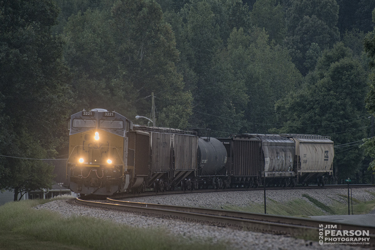 September 9, 2015 - CSX C35, with engine 3221, pulls a short train of seven cars through Mortons Gap, Ky as it heads north on the Henderson Subdivision. - Tech Info all photos: 1/500sec, f/5.6, ISO 900, Lens: Nikon 70-300 @ 300mm with a Nikon D800 shot and processed in RAW.