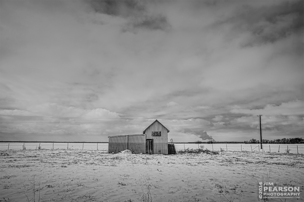January 20, 2016 - Usually when I'm out photographing trains I stumble upon other things that catch my eye such as this old barn at Rahm, Indiana. - Tech Info: 1/1250 | f/6.3 | ISO 100 | Lens: Sigma 24-70 @ 31mm with a Nikon D800 shot and processed in RAW.