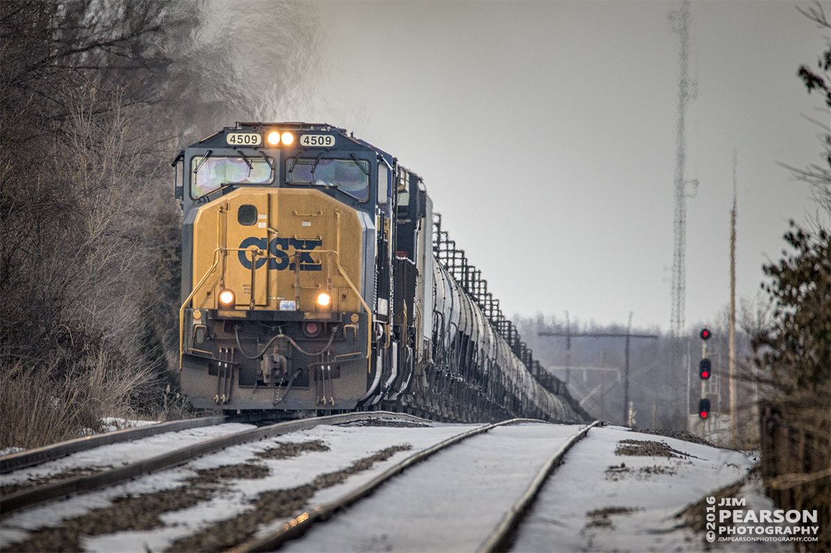 January 24, 2016 - CSX loaded tank train K457-22 crests the hill as it heads into downtown Robard, Ky on it's way south on the Henderson Subdivision. - Tech Info: 1/1250 | f/6.3 | ISO 900 | Lens: Sigma 150-600 @ 600mm with a Nikon D800 shot and processed in RAW.