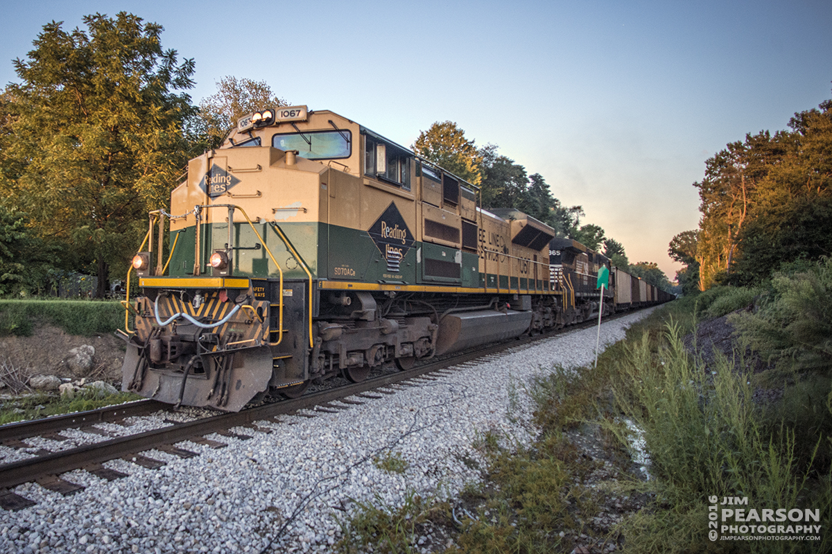 """August 22, 2016 - Norfolk Southern Heritage Unit 1067, """"Reading Lines"""" makes on the Indiana Railroad as it approaches the connection at Sullivan, Indiana to CSX's CE&D Subdivision where it continued south to Oaktown, IN to pickup a load of coal."""