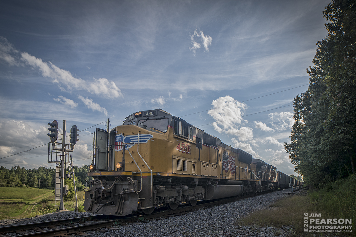 August 24, 2016 - Union Pacific's 4801 heads up a empty coke train as it moves north on the Paducah and Louisville Railway at Richland, Ky on a hot summer afternoon and apparently their air conditioner wasn't working very well.