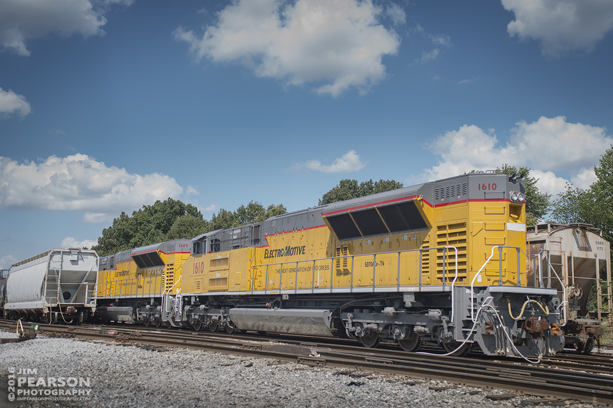 September 7, 2016 - ElectroMotive (EMD) SD70ACe - Tier4 locomotives 1609 and 1610 sit in CSX's Atkinson Yard at Madisonville, Ky after delivery by Paducah and Louisville Railway from the Mayfield shops overnight. The engines were scheduled to move south to Nashville where they're expected to continue their test runs between Nashville and Cincinnati.