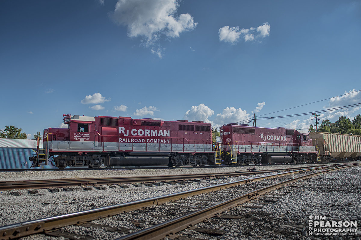 September 7, 2016 - RJ Corman Railroad 3863 and 3813 arrive on the Memphis Line at Guthrie, Ky with a load of freight for interchange with CSX.