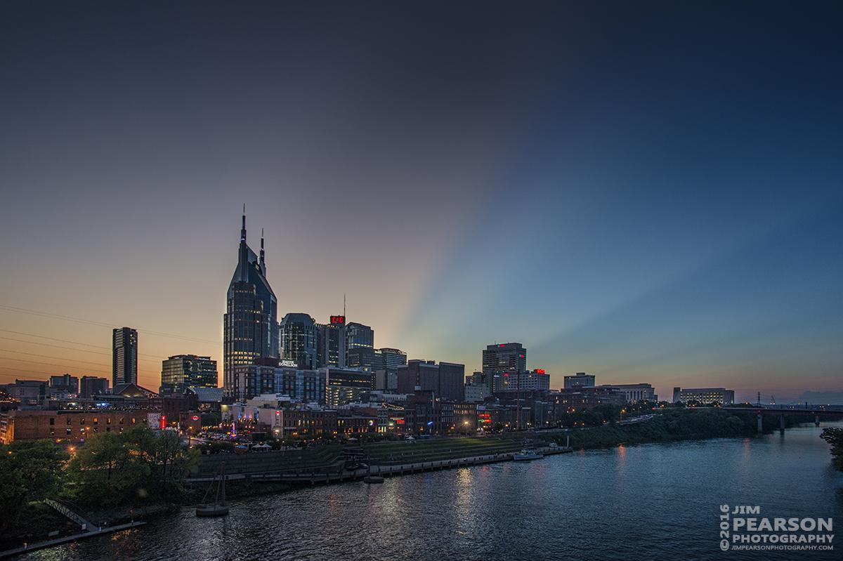 09-09-16-twilight-in-downtown-nashville-tn
