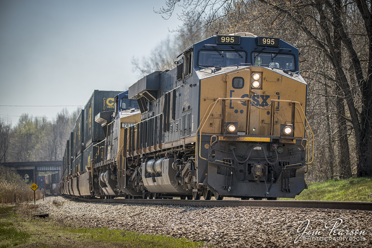 CSX Intermodal Q026-01 at Mortons Gap, Ky